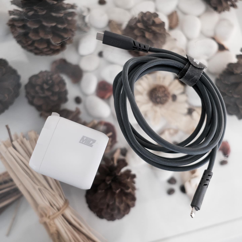 MITZ เซตชาร์จด่วน PD ชาร์จไอโฟนไวขึ้น 3 เท่า [สาย Type C to lightning 2เมตร + PD Hybrid adapter]