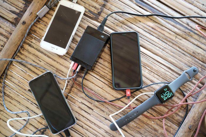 MITZ Travel Adapter - ชาร์จมือถือ/Powerbank 5 เครื่อง (สบายกว่า ปลั๊กพ่วง) เบา เที่ยวง่าย